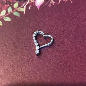 14k white gold Diamond heart pendent